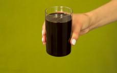 Szklanka syropu daktylowego