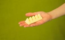 5 trójkątów ze szwajcarskiej białej czekolady Toblerone
