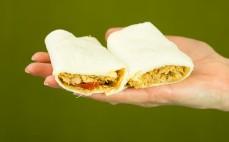Tortilla arabska z kawałkami kurczaka Konspol
