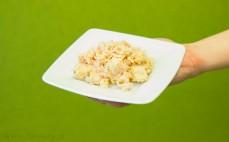 Porcja białego tuńczyka w oliwie z oliwek