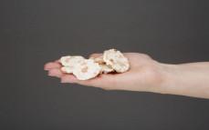 Garść wafli ryżowych mini z marchewką