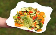 Porcja usmażonych warzyw na patelnię Nicea