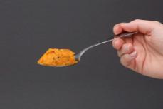 Łyżka pasty z marchewki z czarnuszką WA:ŻYWO