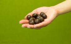 Garść drażetek - wiśnie w czekoladzie