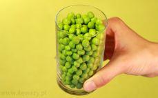 Szklanka zielonego groszku