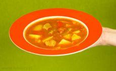 Porcja zupy gulaszowej
