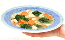 Porcja zupy z brokułami