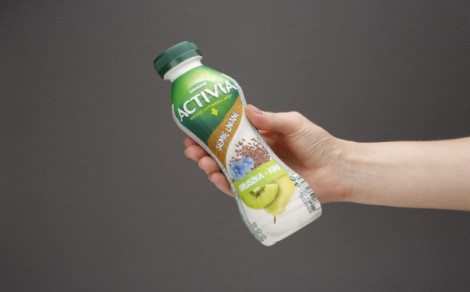 Jogurt gruszka-kiwi-siemię lniane z nasionami (0,89%) i zbożami (0,3%)