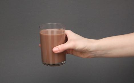Chias protein smoothie berries, banana, acai, smoothie białkowe na bazie soków, przecierów owocowych i mleka kokosowego