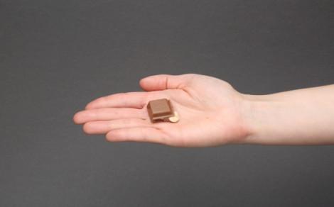 Ritter Sport macadamia, czekolada mleczna z kawałkami orzechów makadamia (16%)