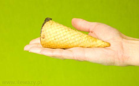 Deser z serem o smaku lodów w rożku