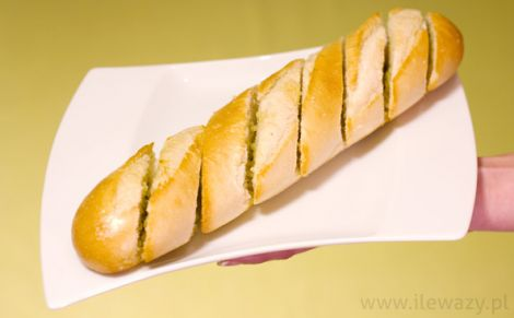 Bagietka z masłem czosnkowym