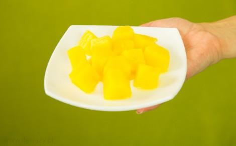 Kawałki ananasa w soku