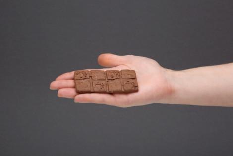 Tabliczka zbożowa z czekoladą, zbożowe ciasteczka z kawałkami czekolady