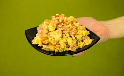 Sałatka z kuskusem, warzywami i tuńczykiem Insalatissime