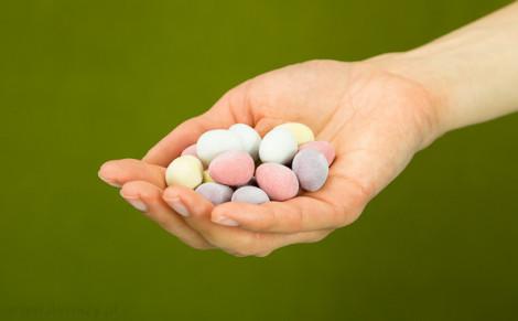 Draże - jajeczka w czekoladzie mlecznej Milka