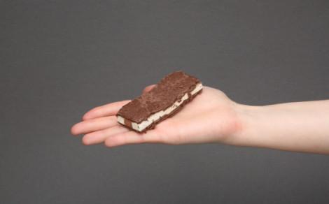 Monte snack, biszkopt z kremem mlecznym i czekoladowo-orzechowym