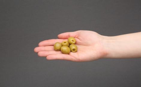 Oliwki zielone nadziewane szynką serrano