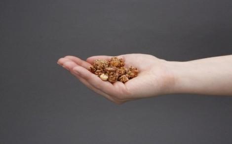 Orzechy ziemne w sezamie