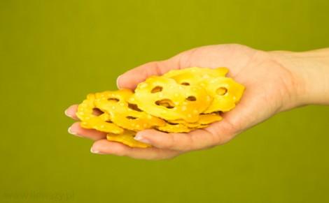 Pieczone precelki pszenne z solą morską