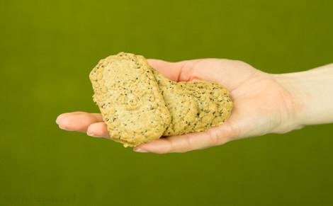 Ciasteczka jęczmienne z chia i konopią Cookies