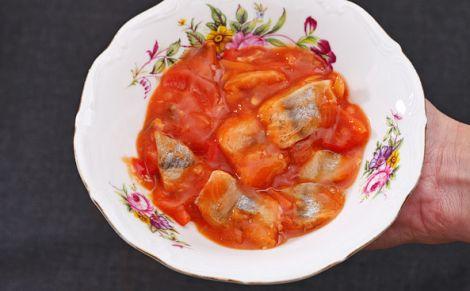 Śledź w sosie salsa