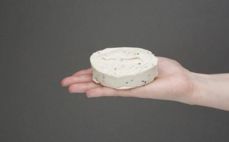 Roślinny produkt z orzechów nerkowca z czarnuszką
