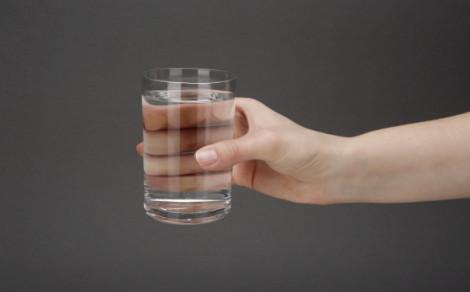 Oshee caffeine water, napój niegazowany z dodatkiem naturalnej kofeiny