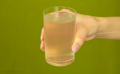 Woda z młodego kokosa