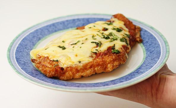 Ile waży Filet z piersi kurczaka z serem - sprawdź kalorie..