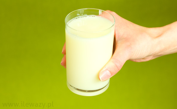 Napój mleczny o smaku coli