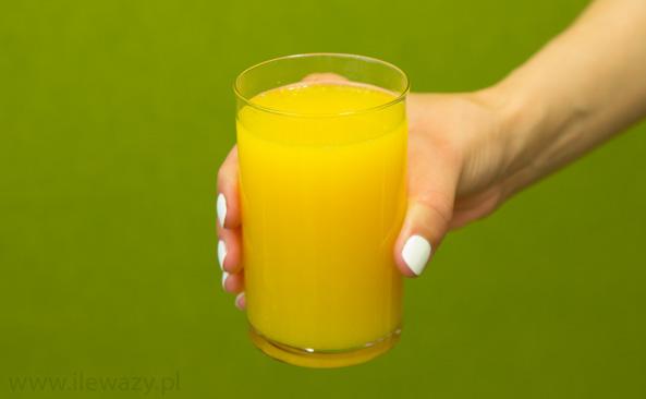 Ile waży Szklanka nektaru mandarynkowego z cząsteczkami..