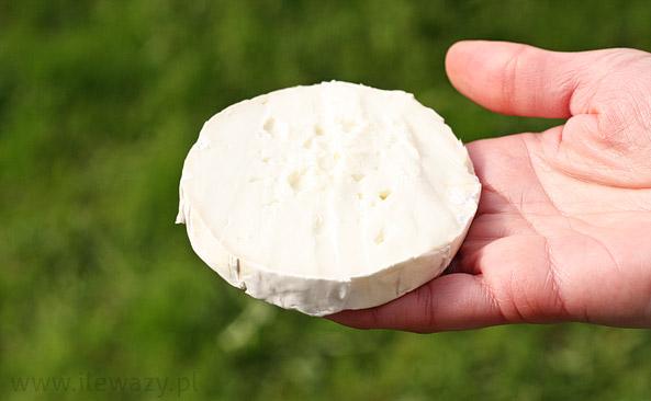 Ser Camembert z mleka koziego