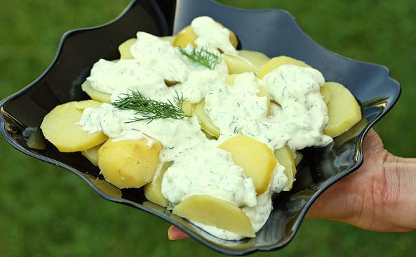 Ziemniaki z sosem tzatziki